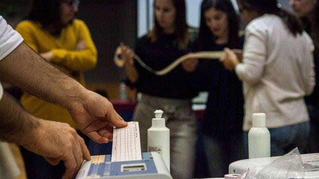 Curso ECG (eletrocardiografia) para enfermeiros com filipe franco - leitura de traçado de ecg