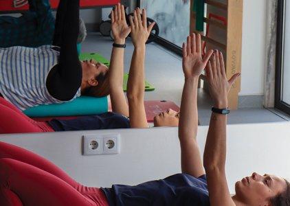 Corporate por One Clinics - Pilates Clínico: um método que o ajuda a viver a vida (Bwizer Magazine)