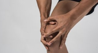 Como reduzir a dor da tendinopatia patelar no curto prazo?