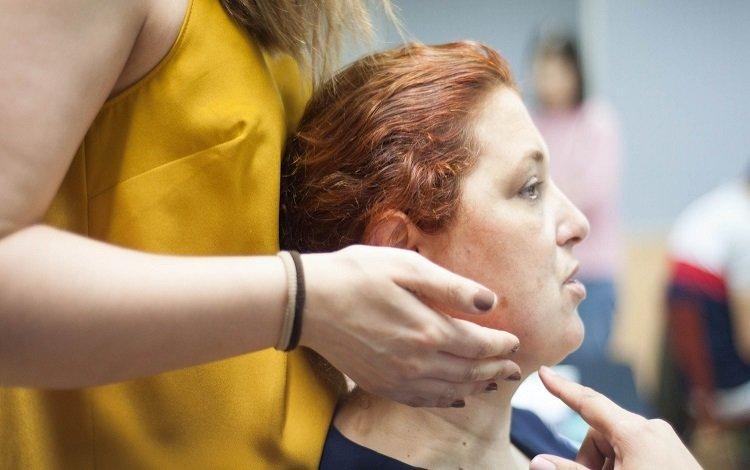 Treino dos flexores profundos do pescoço vs treino proprioceptivo em pacientes com cervicalgia crónica