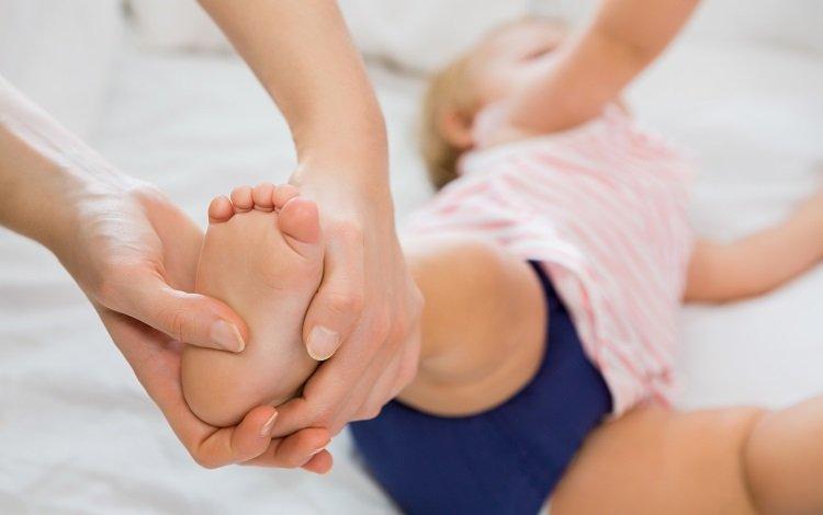Vigilância para o desenvolvimento infantil bebés menores de 1 mês