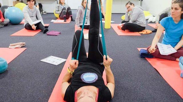 Pilates Clínico MW2reeducação do movimento e treino de controlo motor em classes de pilates clinico - certificação matwork appi