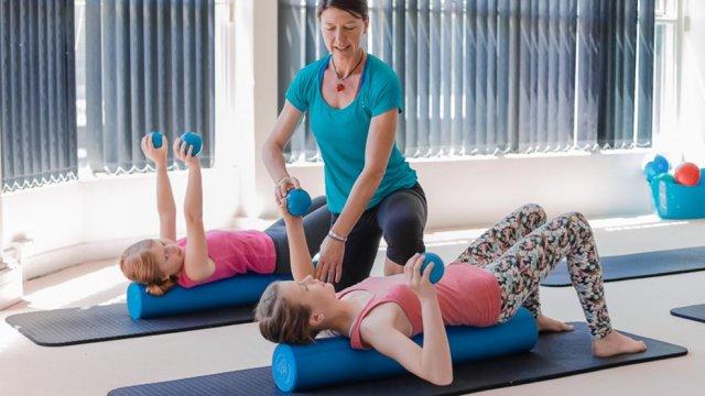 classes de Pilates para crianças para tratar escolioses - certificação appi