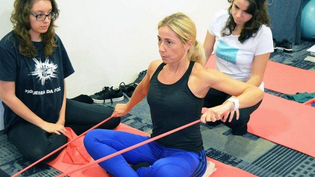 como conduzir classes e sessões individuais de pilates clinico para escolioses